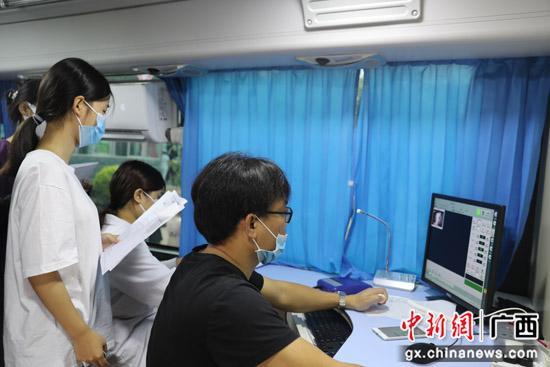 南溪山医院助力桂林学院新生体检工作