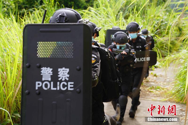 广西边境警方开展应急处突演练