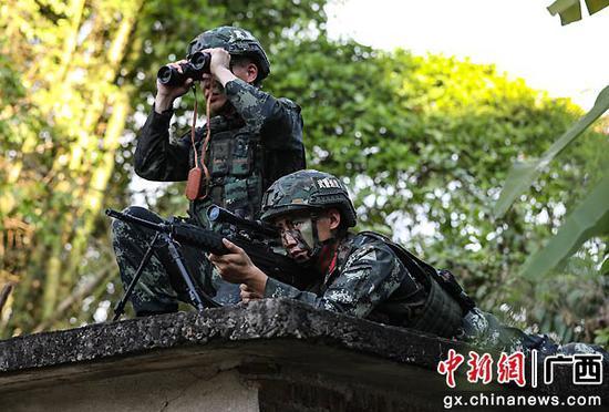 武警防城港支队:密林深处,尖兵出击砺锋芒