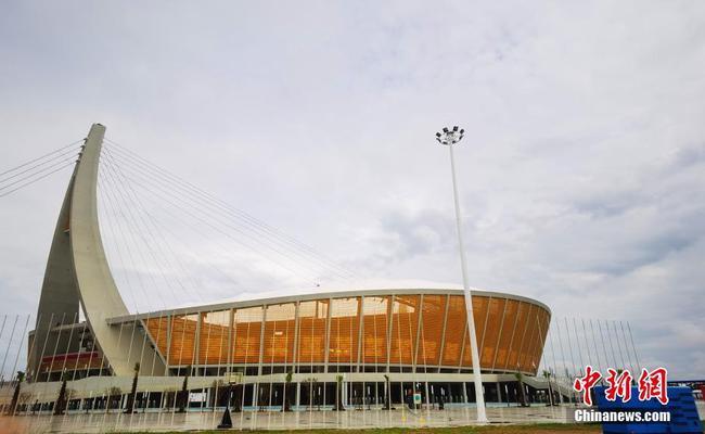 """探访中柬""""友谊之船""""——柬埔寨国家体育场"""