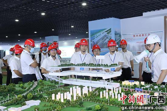 中建五局土木公司2021年项目建设品质提升(轨道类)推进会举行