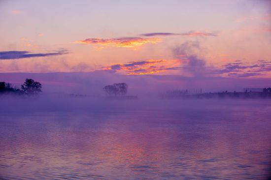 新疆察布查尔:美尽在湖光水色间