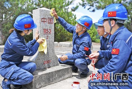 """广西凭祥供电所""""三边""""服务守护南疆灯火"""