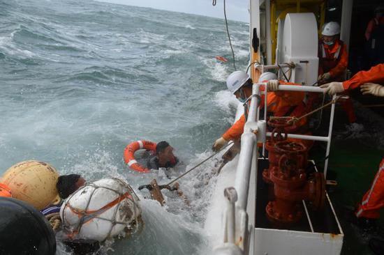 浙江台州海域一货船遇险 东海救助局成功救