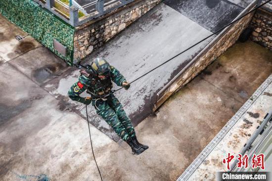 武警毕节支队开展群众性大练兵